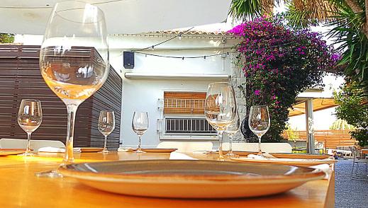 sonido ambiente en terraza de restaurante